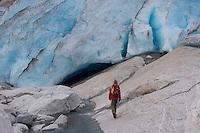 Gletscher, Festlandsgletscher, Eis, Nigardsbreen, Nigardbreen, Jostedalsbreen, Jostetal, Jostedalsbreen-Nationalpark, Gletscherzunge, Nationalpark, Norwegen. Nigardsbreen, Jostedalsbreen glacier, Jostedal Glacier, glacier tongue, snout of a glacier, glacial lobe, glacier, ice, Norway