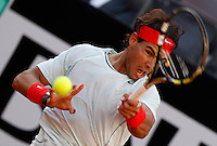 Lo spagnolo Rafael Nadal in azione durante gli Internazionali d'Italia di tennis a Roma, 17 Maggio 2013..Spain's Rafael Nadal in action during the Italian Open Tennis tournament ATP Master 1000 in Rome, 17 May 2013.UPDATE IMAGES PRESS/Isabella Bonotto