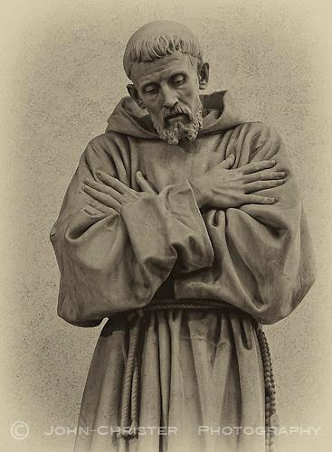 marble statue of St. Francis by Giovanni Dupre in the Basilica di San Rufino
