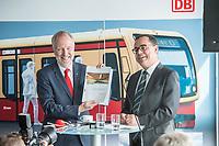 Alexander Kaczmarek (links im Bild), Konzernbevollmaechtigter der DB AG und Peter Buchner (rechts im Bild), Vorsitzender der Geschaeftsfuehrung der S-Bahn stellten am Mittwoch den 18. Juli 2018 die Qualitaetsoffensive der S-Bahn Berlin vor.<br /> Es sollen mehr als 30 Millionen Euro investiert werden um die Infrastruktur zu modernisieren und zusaetzliche Fahrzeugfuehrer ausgebildet werden.<br /> 18.7.2018, Berlin<br /> Copyright: Christian-Ditsch.de<br /> [Inhaltsveraendernde Manipulation des Fotos nur nach ausdruecklicher Genehmigung des Fotografen. Vereinbarungen ueber Abtretung von Persoenlichkeitsrechten/Model Release der abgebildeten Person/Personen liegen nicht vor. NO MODEL RELEASE! Nur fuer Redaktionelle Zwecke. Don't publish without copyright Christian-Ditsch.de, Veroeffentlichung nur mit Fotografennennung, sowie gegen Honorar, MwSt. und Beleg. Konto: I N G - D i B a, IBAN DE58500105175400192269, BIC INGDDEFFXXX, Kontakt: post@christian-ditsch.de<br /> Bei der Bearbeitung der Dateiinformationen darf die Urheberkennzeichnung in den EXIF- und  IPTC-Daten nicht entfernt werden, diese sind in digitalen Medien nach §95c UrhG rechtlich geschuetzt. Der Urhebervermerk wird gemaess §13 UrhG verlangt.]