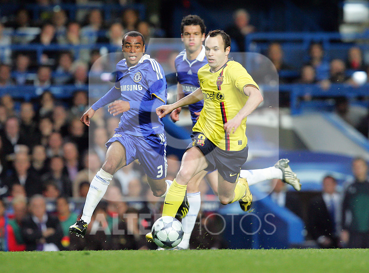 Iniesta of Barcelona in action during the UEFA Champions League Semi Final Second Leg match between Chelsea and Barcelona at Stamford Bridge on May 6, 2009 in London, England.