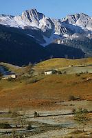 Europe/France/Aquitaine/64/Pyrénées-Atlantiques/Plateau de Benou: Pic d'Ossau et Pic de l'Ourlène