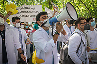 """MADRID, SPAIN – MAY 25: Doctors and medical students from all corners of Spain gather in front of the Ministry of Health on Paseo del Prado to protest the new model of """"MIR"""" (the exam to be able to practice as a doctor in Spain) as they consider it unfair on 25 May in Madrid, Spain. (Photo by Joan Amengual/VIEWpress)"""