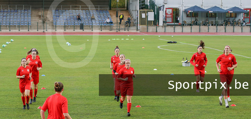 Woluwe players warming up before a female soccer game between FC Femina White Star Woluwe and Oud Heverlee Leuven on the fourth matchday in the 2021 - 2022 season of Belgian Scooore Womens Super League , Friday 10 th of September 2021  in Woluwe , Belgium . PHOTO SPORTPIX   SEVIL OKTEM