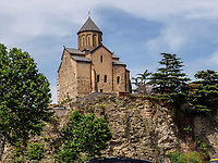 Metheki Kirche und Fluss Kura-Mtkwari, Tiflis – Tbilissi, Georgien, Europa<br /> Metheki Church and river Kura Mtkwari, Tbilisi, Georgia, Europe