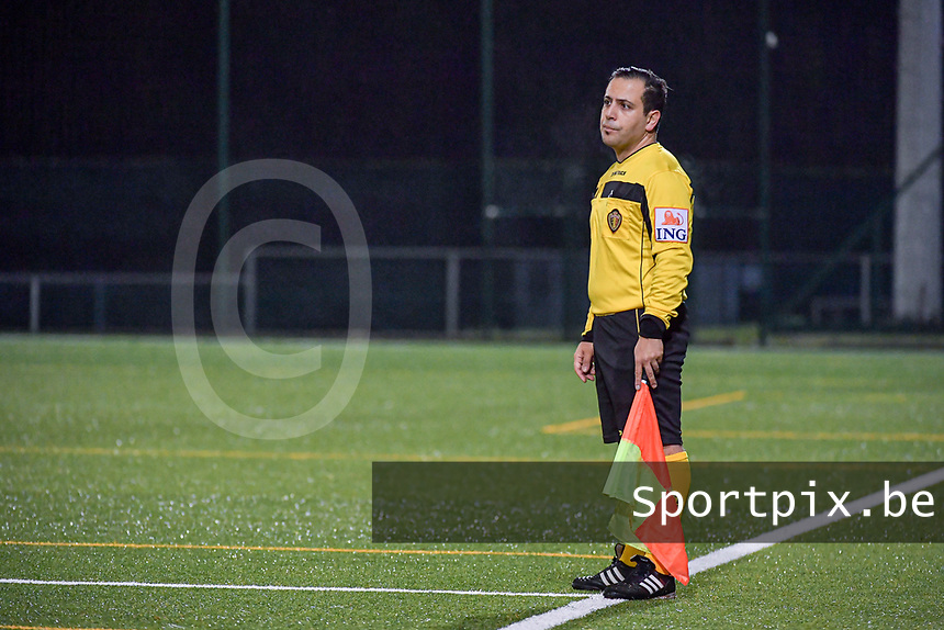 assistant referee pictured during a female soccer game between RSC Anderlecht Dames and Eendracht Aalst Ladies  on the fourth matchday of the 2020 - 2021 season of Belgian Womens Super League , Tuesday 13 th of October 2020  in ANDERLECHT , Belgium . PHOTO SPORTPIX.BE | SPP | STIJN AUDOOREN