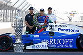 Verizon IndyCar Series<br /> Indianapolis 500 Winner Portrait<br /> Indianapolis Motor Speedway, Indianapolis, IN USA<br /> Monday 29 May 2017<br /> Takuma Soto poses for the 500 winner photos<br /> World Copyright: Phillip Abbott<br /> LAT Images<br /> ref: Digital Image abbott_indyD_0517_35382