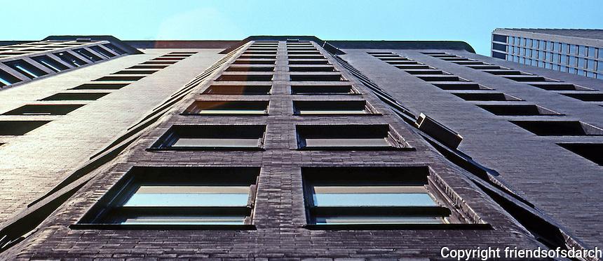 Burnham & Root: Monadnock Bldg. Oriel Windows.  Photo '77.