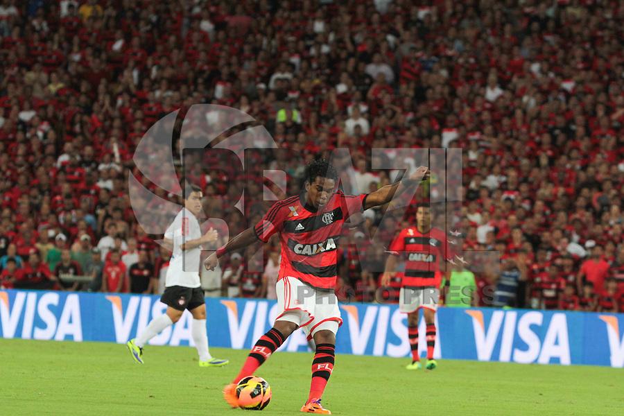RIO DE JANEIRO, RJ, 27.11.2013 -Luiz Antonio do Flamengo durante a segunda final da Copa do Brasil contra o Atlético PR, nesta quarta-feira  no Maracanã. (Foto. Néstor J. Beremblum / Brazil Photo Press)