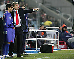 Getafe's coach Bernd Schuster talks to Lucas Litch during Spain's La Liga match at Coliseum Alfonso Perez in Getafe, Sunday February 11, 2007. (ALTERPHOTOS/Alvaro Hernandez).