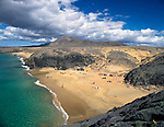 Spanien, Kanarische Inseln, Lanzarote, El Papagayo: Kueste und Strand Playa del Papagayo   Spain, Canary Island, Lanzarote, El Papagayo: coastline and beach Playa del Papagayo