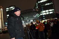 """Nachdem an drei voran gegangenen Baergida-Aufmaerschen mehrere hundert Menschen teilgenommen haben, kamen am Montag den 26. Januar 2015 nur noch ca. 150 Personen. Wieder nahmen viele militante Neonazis aus Berlin und Brandenburg, Hooligans, sog. """"Reichsbuerger"""" teil.<br /> Im Bild: Karl Schmitt, Organisator der Veranstaltung und Kopf der Organisation """"Die Patrioten"""". <br /> 26.1.2015, Berlin<br /> Copyright: Christian-Ditsch.de<br /> [Inhaltsveraendernde Manipulation des Fotos nur nach ausdruecklicher Genehmigung des Fotografen. Vereinbarungen ueber Abtretung von Persoenlichkeitsrechten/Model Release der abgebildeten Person/Personen liegen nicht vor. NO MODEL RELEASE! Nur fuer Redaktionelle Zwecke. Don't publish without copyright Christian-Ditsch.de, Veroeffentlichung nur mit Fotografennennung, sowie gegen Honorar, MwSt. und Beleg. Konto: I N G - D i B a, IBAN DE58500105175400192269, BIC INGDDEFFXXX, Kontakt: post@christian-ditsch.de<br /> Bei der Bearbeitung der Dateiinformationen darf die Urheberkennzeichnung in den EXIF- und  IPTC-Daten nicht entfernt werden, diese sind in digitalen Medien nach §95c UrhG rechtlich geschuetzt. Der Urhebervermerk wird gemaess §13 UrhG verlangt.]"""