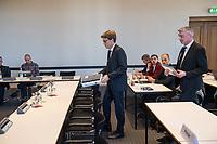 """4. Sitzung des 2. Untersuchungsausschusses <br /> der 18. Wahlperiode des Berliner Abgeordnetenhaus - """"BER II"""" - am Freitag den 12. Oktober 2018.<br /> Der Ausschuss soll die Ursachen, Konsequenzen und Verantwortung fuer die Kosten- und Terminueberschreitungen des im Bau befindlichen Flughafens """"Berlin Brandenburg Willy Brandt"""" aufklaeren.<br /> Als oeffentlicher Tagesordnungspunkt war die Beweiserhebung durch Vernehmung des Zeugen  BER-Chef Prof. Dr.-Ing. Engelbert Luetke Daldrup (links im Bild) vorgesehen.<br /> 12.10.2018, Berlin<br /> Copyright: Christian-Ditsch.de<br /> [Inhaltsveraendernde Manipulation des Fotos nur nach ausdruecklicher Genehmigung des Fotografen. Vereinbarungen ueber Abtretung von Persoenlichkeitsrechten/Model Release der abgebildeten Person/Personen liegen nicht vor. NO MODEL RELEASE! Nur fuer Redaktionelle Zwecke. Don't publish without copyright Christian-Ditsch.de, Veroeffentlichung nur mit Fotografennennung, sowie gegen Honorar, MwSt. und Beleg. Konto: I N G - D i B a, IBAN DE58500105175400192269, BIC INGDDEFFXXX, Kontakt: post@christian-ditsch.de<br /> Bei der Bearbeitung der Dateiinformationen darf die Urheberkennzeichnung in den EXIF- und  IPTC-Daten nicht entfernt werden, diese sind in digitalen Medien nach §95c UrhG rechtlich geschuetzt. Der Urhebervermerk wird gemaess §13 UrhG verlangt.]"""