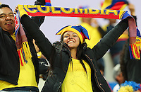 VIÑA DEL MAR - CHILE - 26-04-2015: Hinchas de Colombia, animan a su equipo, durante partido Colombia y Argentina, por los cuartos de final, de la Copa America Chile 2015, en el estadio Sausalito en la Ciudad de Viña del Mar / Fans of Colombia, cheer for their team during a match between Colombia and Argentina, for the quarterfinals of the Copa America Chile 2015, in the Sausalito stadium in Viña del Mar city. Photos: VizzorImage /  Photosport / Jonathan Mancilla / Cont.