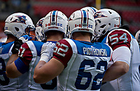 Vancouver, September, 09, 2016 - Alouette huddle before taking to the field. The Montreal Alouettes lost to the BC Lions 27-38. (Andrew Soong)
