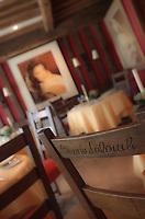 Europe/France/Normandie/14/Calvados/Deauville: La Chaise de Claude Lelouch au restaurant l'Hostellerie de Tourgeville