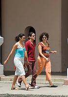 Cuba,  am Parque Jose Marti in Cienfuegos
