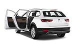 Car images of a 2015 Seat Leon Style Copa 4 Door Hatchback Doors