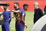 FC Barcelona's Antoine Griezmann with the second coach Eder Sarabia and Junior Firpo with the coach Quique Setien during La Liga match. June 27,2020. (ALTERPHOTOS/Acero)