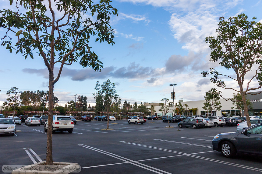 """South Coast Collection (""""SoCo"""")'s parking lot on Black Friday 2019; SoCo is in Costa Mesa, CA."""