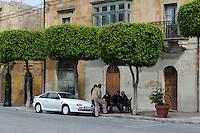 Dorfplatz in Nadur auf Gozo, Malta, Europa