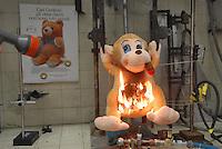 - Italian Institute for Toy Safety; certification of toys and products intended for children: flammability test....- Istituto Italiano Sicurezza dei Giocattoli; certificazione dei giocattoli e dei prodotti destinati all'infanzia: test infiammabilità