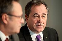 Le Secretaire general de la FTQ, Serge Cadieux (G)<br /> et le president de la FTQ Daniel Boyer (D)<br /> , 5 Octobre 2014