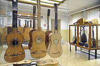 - Milano, Civica Scuola di Liuteria, il museo<br /> <br /> - Milan Civic School of Violin Making, the museum