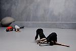 ECLATS DE MATIERE..Chorégraphie: Odile Duboc..Compagnie Contre Jour / CCN de Franche Comté à Belfort..Artiste plasticienne: Marie-Jose Pillet..Lieu: Centre National de la Danse..Ville : Pantin..le 27/04/2007..© Laurent Paillier / photosdedanse.com..All rights reserved