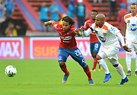MEDELLIN- COLOMBIA, 24-03-2019:William Arboleda  (Izq.) jugador del Independiente Medellín  disputa el balón con Nicolás Giraldo (Der.) Jugador del Envigado  durante partido por la fecha 11 de La Liga Aguila I 2019 ,jugado en el estadio Atanasio Girardot de la ciudad de Medellín /William Arboleda (L) player of Independiente Medellin  vies for the ball with Nicolás Giraldo (R) of Envigado during match for the date 11 as part Aguila League I 2019 between Independiente Medellin  and Envigado played at Atanasio Girardot stadium in Medellin  city.  Photo: VizzorImage / León Monsalve  / Contribuidor