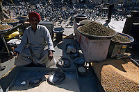 Asie/Inde/Rajasthan/Jaipur : Tripolia Bazar - Marchand de graines