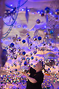 2015_11_18_hanging_gate_christmas_decorations