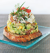Tartine de crabe avocat et mangue