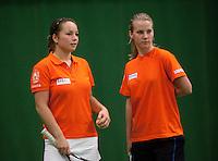 29-1-10, Almere, Tennis, Training Fedcup team, Arantxa Rus, Nicole Thyssen(l)