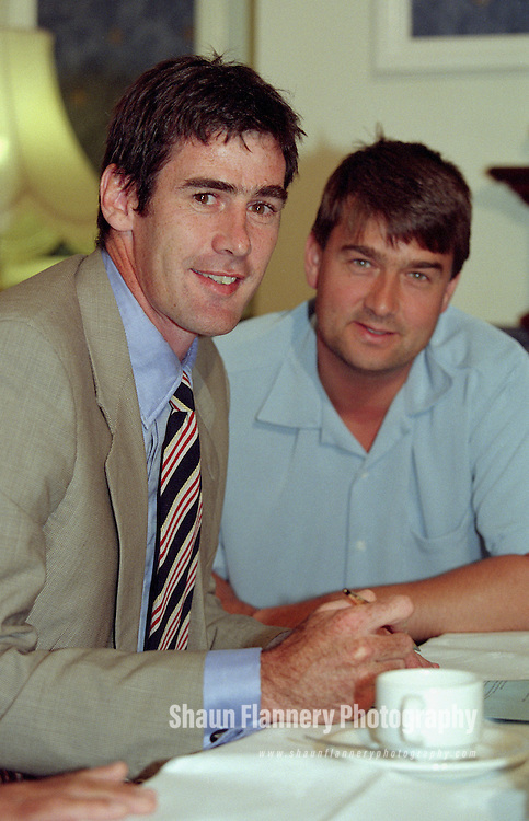 Pix: Shaun Flannery/shaunflanneryphotography.com...COPYRIGHT PICTURE>>SHAUN FLANNERY>01302-570814>>07778315553>>..28th June 1999..Footballer Mike Newell signs for Doncaster Rovers Football Club watched on by Manager Ian Snodin.