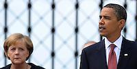 Besuch des Präsidenten der vereinigten Staaten von Amerika (USA) Barack Obama vom 4. bis 5. Juni 2009 in der Bundesrepublik Deutschland - Visite in der Mahn- und Gedenkstätte Buchenwald auf dem Ettersberg bei Weimar (Freitag der 5.6.2009) - im Bild:  der Präsident Barack Obama gibt nach dem Besuch des Konzentrationslagers Buchenwald seine Statements an die Presse - links: Kanzlerin Angela Merkel. Porträt Foto: Norman Rembarz..