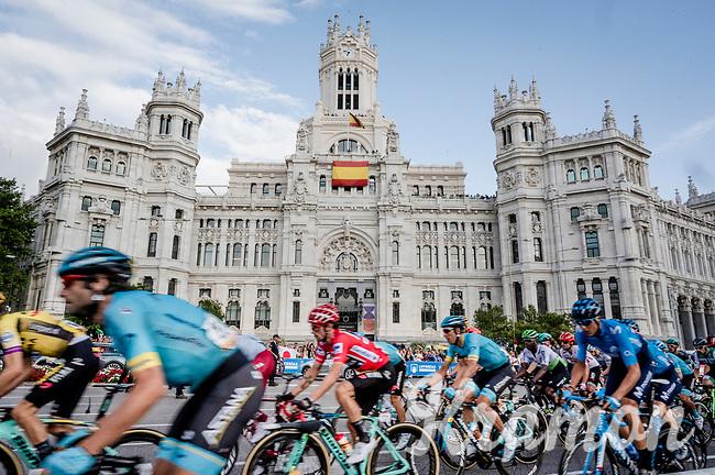 red jersey (overall leader) Primoz Roglic (SVK/Jumbo-Visma) rolling by <br /> <br /> Stage 21: Fuenlabrada to Madrid (107km)<br /> La Vuelta 2019<br /> <br /> ©kramon