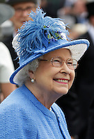 Britain's Queen Elizabeth in the parade ring <br /> Ippica Investec Derby meeting taking place at Epsom Downs Racecourse -  06/04/2016 <br /> Foto Henry Browne / Action Images / Panoramic / Insidefoto