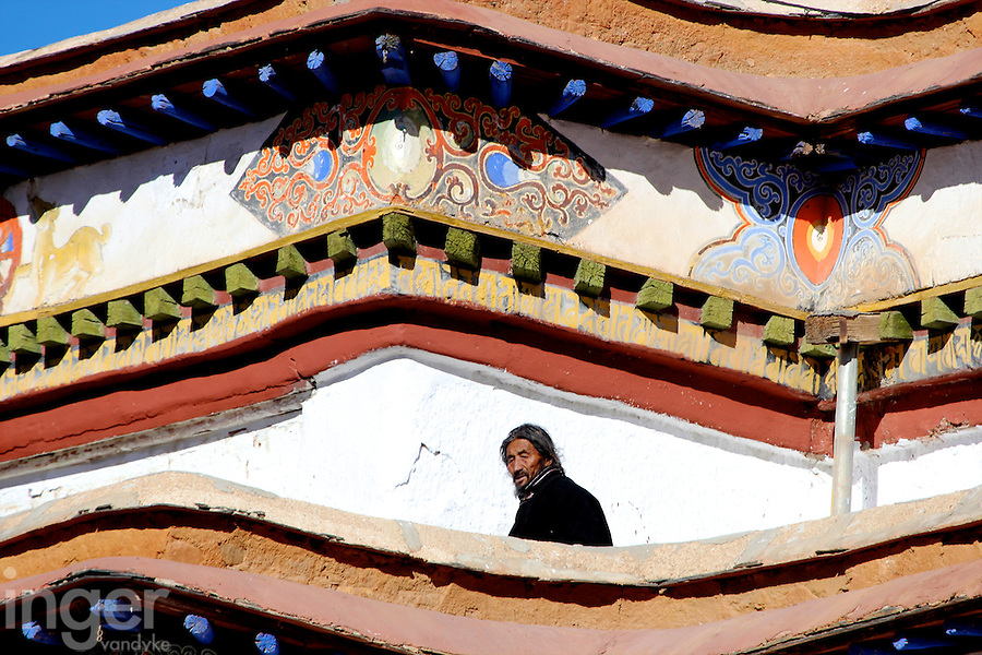 Pilgrim at Gyantse Kumbum in Tibet