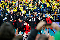 CURITIBA,PR, - 08.07.2017 – CANADÁ-EUA -  Jogadores do Canadá comemoram o terceiro lugar ganhando dos EUA, jogo válido pela liga mundial de vôlei no estádio Arena da Baixada, em Curitiba neste sábado (08).  (Foto: Paulo Lisboa/Brazil Photo Press)