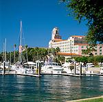 USA, Florida, St. Petersburg: North Yacht Basin & Renaissance Vinoy Resort