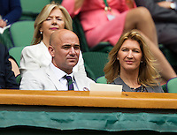 04-07-12, England, London, Tennis , Wimbledon,  Royal box with Andre Agassi and Steffie Graf