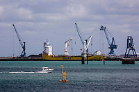 Europe/France/Normandie/Basse-Normandie/50/Manche/Cherbourg: Port de Commerce // France, Manche, Cotentin, Cherbourg,Cherbourg Harbour , Commercial port