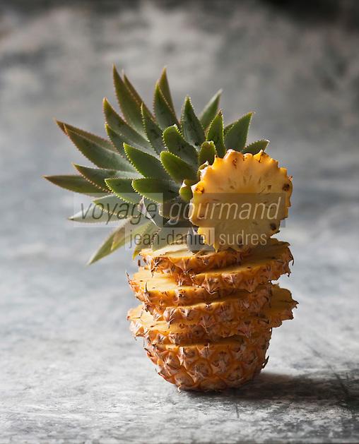 France/DOM/ La Réunion: Ananas Victoria de la Réunion - Stylisme : Valérie LHOMME