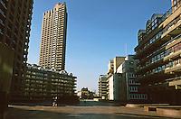 London:  Barbican--A Plaza?  1957-1979.  Chamberlin, Powell and Bon.
