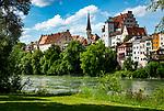 Deutschland, Bayern, Rosenheimer Land, Wasserburg am Inn: Schloss Wasserburg mit Burgkirche | Germany, Bavaria, Rosenheimer Land, Wasserburg am Inn: castle Wasserburg with castle church