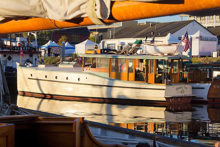 Port Townsend, Wooden Boat Festival, Port Hudson Marina, boat harbor, classic Lake Union Dreamboat, powerboat, Olympic Peninsula, Washington State, Pacific Northwest, USA,