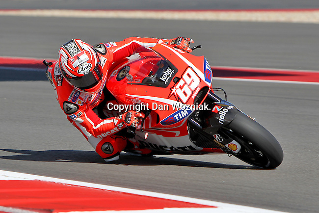 Nicky Hayden (69) in action during the Red Bull MotoGP of the Americas practice session at Circuit of the Americas racetrack in Austin,Texas. ..