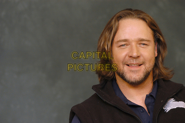 "RUSSELL CROWE.Photocall for ""3:10 To Yuma"", Rome, Italy..October 16th, 2007.three ten 310 3 10 headshot portrait stubble facial hair .CAP/CAV.©Luca Cavallari/Capital Pictures."