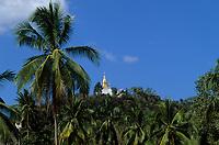 """Asie/Laos/ENV Ventiane/Luang Prabang: le Mont Phousi ou la """"Montagne Merveilleuse """" haute de 80m"""